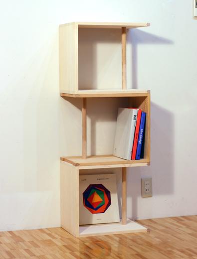 本棚や飾り棚として