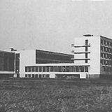 バウハウス デッサウ校舎