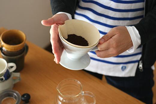 ハリオ ドリッパー コーヒー豆 ならす