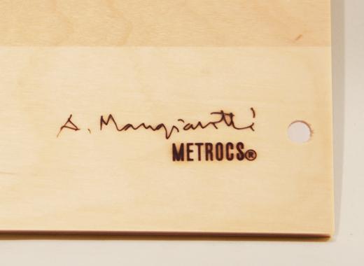 マンジャロッティのサイン(焼印)入り
