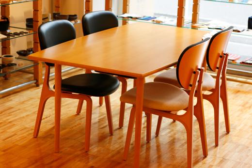 マッシュルームベーステーブル