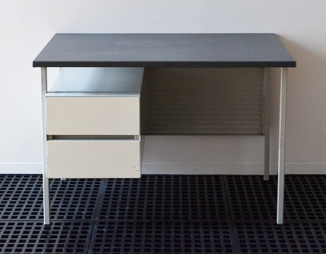 desk_gispen_01